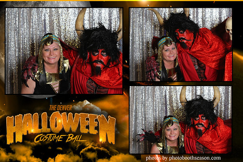 """Denver Halloween Costume Ball • <a style=""""font-size:0.8em;"""" href=""""http://www.flickr.com/photos/95348018@N07/37972789756/"""" target=""""_blank"""">View on Flickr</a>"""