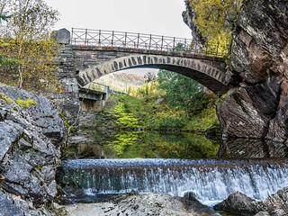 Old bridge over Rødlielva