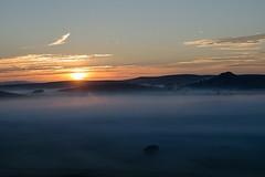 Il arrive, Marchastel, Lozère (lyli12) Tags: aubrac lozère leverdesoleil brume paysage landscape france nature languedocroussillon mist nikon d7000