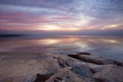 Lever du jour brumeux à La Baie (gaudreaultnormand) Tags: brumeux leverdesoleil longexposure longueexposition misty sunrise paysage ciel pierre mer cloudsstormssunsetssunrises