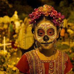 Día de los Muertos (Angelitos) (Ashley Watts) Tags: dia de los muertos angelitos girl death dead happy celebrate costume cemetery cross religion sparkle mask dress skull mexico us aztec olympus omd em5 25mm colour travel vacation holiday day flowers mourn eyes graveyard