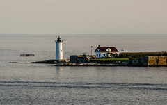 Maine's lighthouses #3: Portsmouth (Rabican7) Tags: newengland lighthouse nikon photography structure building seascape ocean sea island fort portsmouth maine landscape house architecture headlight harbor piscataqua river delta sky calmness calm scenery d5100 telephoto newhampshire