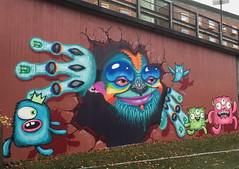 Gyldenpris Monsters (svennevenn) Tags: gatekunst streetart bergen barnslig mum monsters