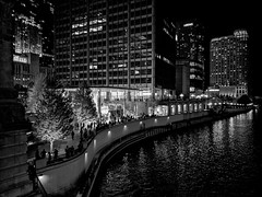 Apple (ancientlives) Tags: chicago chicagoriver illinois il usa travel trips streetphotography walking river riverwalk buildings architecture towers skyline skyscrapers lights night apple applestore michiganavenue magnificentmile mono monochrome blackandwhite bw monday october 2017 autumn ngc