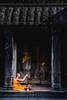 Angkor Wat, Cambodia (Aicbon) Tags: verde angkor angkorwat buddhist buddhism budismo budista religion orange temple templo people perosna naranja tronja cambodia cambodja camboya kampuchea khmer jemer sudestasiàtic sudesteasiatico southeastasia asia asian asiatic indochina indoxina cambodge cambogia camboja jiǎnpǔzhài 柬埔寨 kamboçya kambodia 캄보디아 kamboḍiyā कम्बोडिया kambodiya kambodja kambodscha kambodsja kambodža камбоджа kambodża камбоџа kambodzsa kamboja カンボジア καμπότζη kemboja կամբոդիա ruinas ruins monjo monje siemreap
