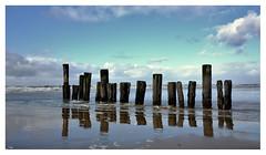 (ingomann) Tags: autofocus fuji x70 nordsee wasser blau clouds wolken meer pfahl ebbe sand