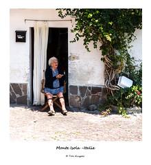 Monte Isola Italie - TKF (Ton Kuyper Fotografie) Tags: italie italy iseomeer lakeiseo monteisola oudevrouw oldwoman
