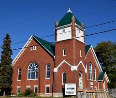 Trinity United Church, 200 Owen Sound Street, Shelburne, ON (Snuffy) Tags: shelburne ontario canada trinityunitedchurch placesofworship 200 200owensoundstreet
