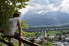 Jaap kijkt uit over Vaduz