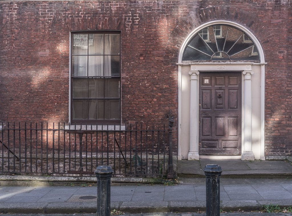 NUMBER 12 HENRIETTA STREET [DOORS OF DUBLIN]-133443