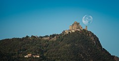 Luna Sacra (erripollo) Tags: omd olympus sky colors panorama landscape buongiorno torino valsusa italy kirk minster church photography autumn autunno moonset moon monastery sacra