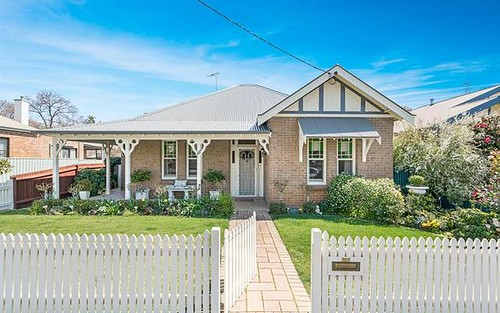 111 Clinton St, Orange NSW 2800