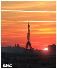 Paris (Philippe Cottier (PH.C)) Tags: paris france cityscape toureiffel eiffeltower ciel sun soleil ville urbain paysage areaofparis nuages sunrise leverdesoleil montmartre sacrécoeur francia