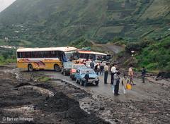 Baños to Ambato road blocked (Bart van Hofwegen) Tags: 2000 tungurahua baños ecuador film scan mud mudflow bus travel bañosdeaguasanta