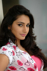 Indian Actress Ragini Dwivedi  Images Set-2 (83)