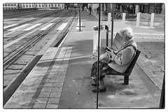 lalectrice (Manu Gauthier Photography) Tags: nb nancy street bus tram dame lecture fuji bnw blackandwhite streetphotography captures
