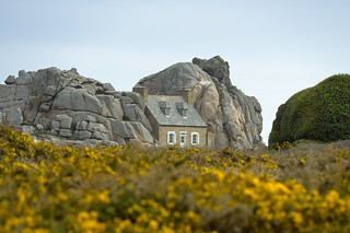 La maison dans les rochers