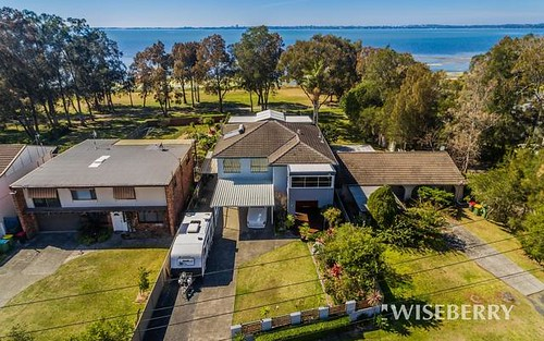 251 Lakedge Av, Berkeley Vale NSW 2261
