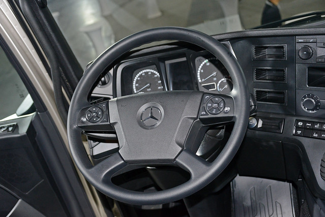 Actros-25