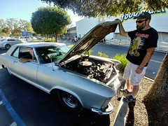 Greg: 1965 Buick Riviera (RZ68) Tags: buick riviera car muscle fast 445 torque nailhead v8 driver santarosa california lg lgg6 g6 wide angle hood open classic vintage silver ironmaiden store supermarket parkinglot foodmaxx heavymetal rock