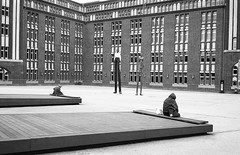 Separated Ways (Manu CV) Tags: loneliness alienation solitude desolation seclusion mankind bw black white hamburg germany street streetphotography monochrome minolta cle rokkor 40mm sculpture epson v500 scan film analog kodak trix 400