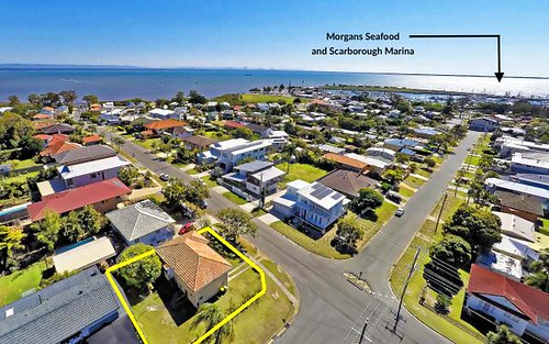 31 Michel Rd, Scarborough QLD 4020