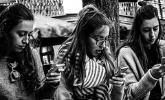 Three's a crowd (Joel_Goldstein) Tags: portrait london street attractive bnw phones millennials streetlife candid camden hair lips glasses style bw people