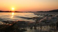 Vistula (buidl-lemmy) Tags: vistula poland weichsel polen fluss river sunset sonnenuntergang wasser water waves wellen