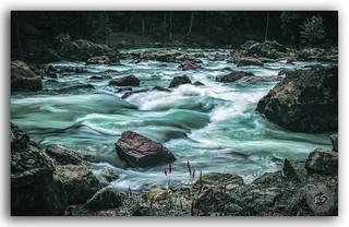 The beautiful stream flowing with vigour in Pahalgam, Kashmir!