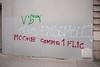 "#Manif10octobre #Nantes #GameOfTags: ""TOUS ENSEMBLE!"" // ""MOCHE COMME 1 FLIC"" (ValK.) Tags: gameoftags loitravailxxl pjlterrorisme loitravail cabanedupeuple etatdurgencepermanant maisondupeuple nantes politique valk demonstration fonctionpublique graff graffiti greve intersyndicale manifestationunitaire social tag france fr"