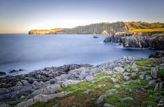 Paz exterior (galavardo) Tags: fujifilm x70 wclx70 moniello gozón asturias españa spain largaexposición longexposure costa acantilado
