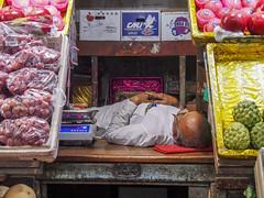 Mumbai 2015 (hunbille) Tags: india mumbai bombay birgittemumbai2lr crawford market crawfordmarket victorian historic bazaar mahatma jyotiba phule mandi mahatmajyotibaphulemandi fruit poultry sleeping resting nap challengeyouwinner cyunanimous
