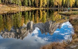 Dolomiti - i Cadini si specchiano nel laghetto di Antorno