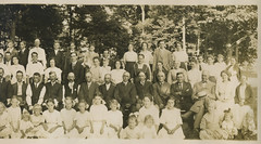1915 - Huff family reunion - right