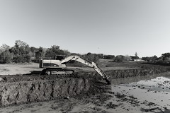 Construindo um lago (9263) (Jorge Belim) Tags: pb 1022 canoneos50d