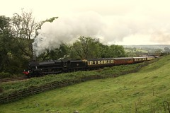 Dining train (feroequineologist) Tags: 45212 black5 lms nymr northyorkshiremoorsrailway railway train steam