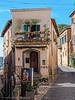 Via della Cava - Orvieto (frillicca) Tags: 2017 architecture architettura balcone balcony edificio finestra medieval medievale medioevo orvietotr ottobre panasoniclumixlx100 viadellacava window