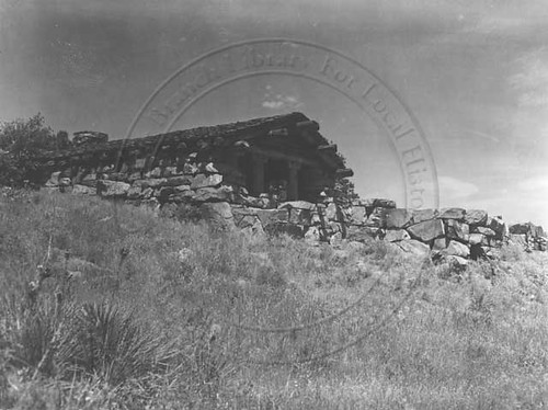 Photo - View of the Halway House (1930-1950).