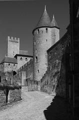 carcassonne-7 (xtrice) Tags: carcassonne rempart ubuntu rawtherapee gimp noiretblanc france