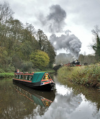 7820 Dinmore Manor leaving Consall with a good train. (johncheckley) Tags: d90 uksteam loco goodstrain manor barge canal