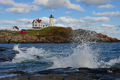 Cape Neddick Light (Nubble Lighthouse) - Maine - 3749b+ (teagden) Tags: cape light nubble lighthouse maine jenniferhall jenhall jenhallphotography photography nikon landscape landscapephotography scenic waves ocean atlanticocean oceanwaves capeneddicklight capeneddick neddick nubblelighthouse