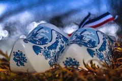Souvenir (marionrosengarten) Tags: souvenir shoes porcelain netherlands holland typical white blue blueandwhite pattern macromondays clogs macro tamron