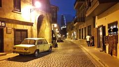 Promenade de nuit (JDAMI) Tags: nuit voiture rue tapis eclairages bakou azerbaïdjan