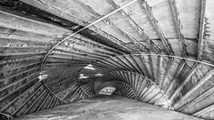 Caracola (Juan Tecles) Tags: salinassinu bn arquitectura lineas punto de fuga white black