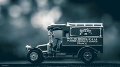 Perrier (YᗩSᗰIᘉᗴ HᗴᘉS +10 000 000 thx❀) Tags: toy miniature auto car monochrome color blue bokeh bw bn hensyasmine 7dwf noiretblanc