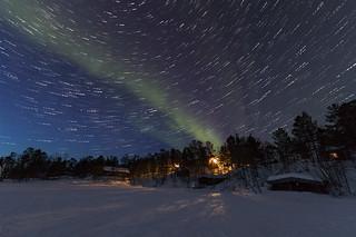 Polarlicht - Nordlicht mit Sternenspuren