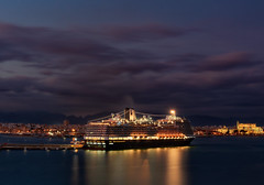 Port of Palma [Explored 2017-10-13] (T.Seifer) Tags: abends bluehour clouds palma mallorca port habour outdoors travel tourism fx evening sunset ship sky night longexposure ndfilter lights waterfront sonnenuntergang nacht dämmerung himmel stadt skyline