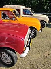 Renault vieren (Mattijsje) Tags: renault renault4 car cars auto autos colors colours renault4clubnederland renault4meetspeugeot104 toertocht