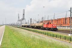 DBC 6429 Waalhaven Rotterdam (Peter Boot) Tags: trein goederentrein keteltrein ketelwagens dieselloc dbc 6429 nederland havenspoorlijn rotterdam waalhaven vtg dbc6429 cargo