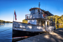 Come on board (mystero233) Tags: boat ship lake water muskoka canada ontario north america np holiday 2017 autumn shadow shadows shadowcast outdoor landscape